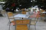 Устойчиви метални столове за дома и градината