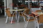 Устойчиви столове от метал за външно ползване