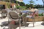 Устойчиви стойки за маси за хотели