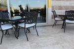 Метални стойки за маса за градина