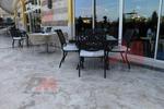 Качествени стойки за маса за кафене