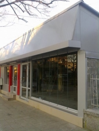 Витрини от стъкло за магазини и заведения