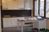 Дизайнерска кухня в бяло