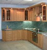 Кухня по поръчка - светло дърво и зелен гранит 306-2616