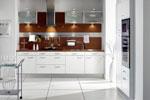 Поръчкова кухня в бяло с кафяв акцент 400-2616