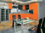 Кухня по поръчка в свежи оранжеви цветове 723-2616