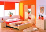 Спалня по поръчка от светло дърво с оранжеви елементи 170-2618