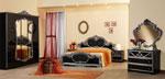 Спалня по проект в черно със сиви орнаменти и гардероб с огледало в нестандартна рамка