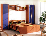 Нестандартна спалня по поръчка с рафт