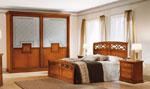 Спалня по поръчка с голям гардероб със стъклени врати с орнаменти