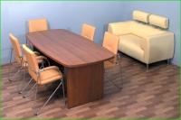 Малка заседателна маса с плот и крака от сдвоено пдч