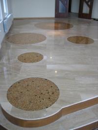 Кварцова дизайнерска настилка с кръгли орнаменти