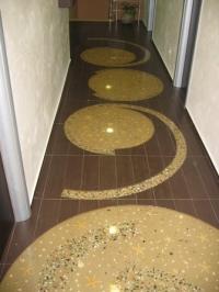 Подови настилки от кварц с кръгли орнаменти