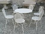 Столове и маса ковано желязо зa мотел
