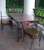 Столове и маса ковано желязо за заведения