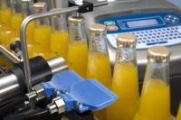 Принтер за кодиране на мокри бутилки