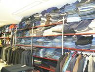 Стелажи за обзавеждане магазини за дрехи