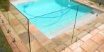 Огради от стъкло по поръчка за басейни