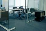 Поръчкова изработка на преградни интериорни врати от стъкло