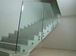 парапет от стъкло по поръчка