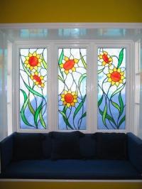 Прозорци с цветя витражи