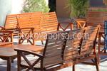 дървени пейки с маса за механи