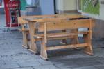 дървени пейки с маса за ресторанти