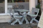 обзавеждане на ресторанти с дървени пейки с маса