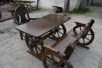 фирма за битови маси с една пейка и един стол от масив