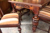 Луксозна маса за трапезария със столове
