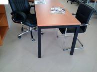 Бюро за офис с ПДЧ плот и метални крака