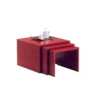 Декоративна маса за дневна в червено