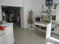 Мебели по поръчка за магазини