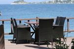 Ниски цени на маси и столове от ратан за море