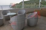 Обзавеждане с маси и столове от ратан слонова кост