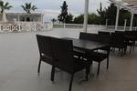 Комфортни и стилни столове от ратан за заведения