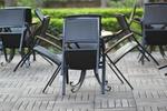 Мебели и столове от ратан за ресторанти