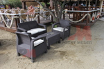 Обзавеждане с маси и столове ратан за плаж