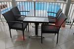 Дизайнерски маси и столове ратан за плаж