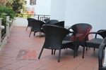 Екзотични маси и столове от евтин ратан