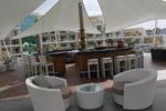 Елегантни бар столове от ратан за заведения