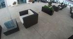 Елегантни маси и столове от тъмен ратан