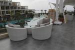 Удобни столове от ратан за заведения