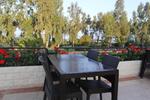 Удобни маси и столове ратан за кафенета