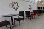 Елегантни и удобни столове от ратан за ресторанти