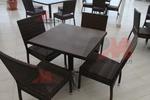 Издръжливи столове от ратан за заведения