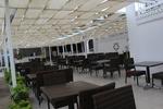 Топ качество на столове от ратан за заведения