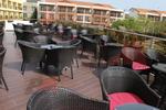 Качествени маси и столове от черен ратан