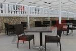 Скъпи столове от ратан за заведения