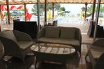 Издръжливи маси и столове от ратан за хотел